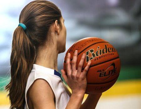 ragazza basket